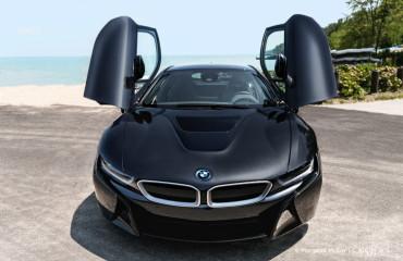 2015-BMW-i8-Test-Drive-1900x1200-32-750x500